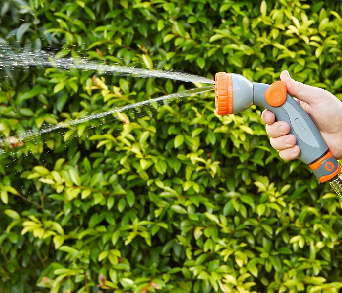 1010868-micro-control-hand-spray-1