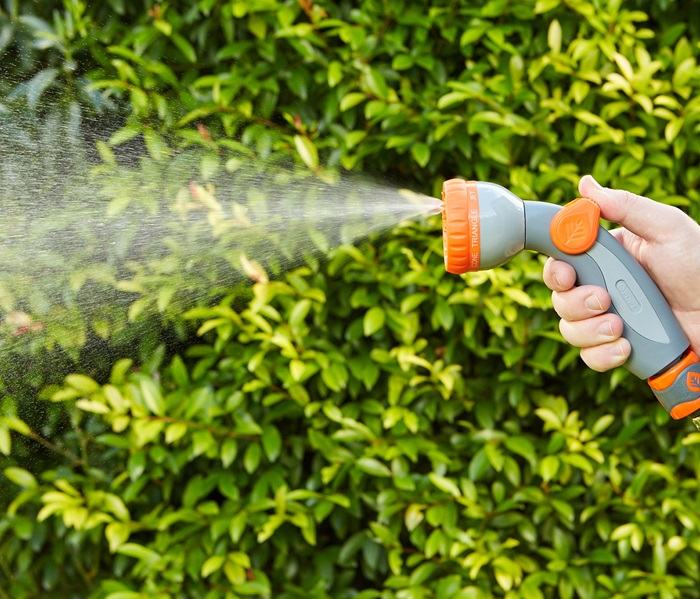 1010868-micro-control-had-spray-3
