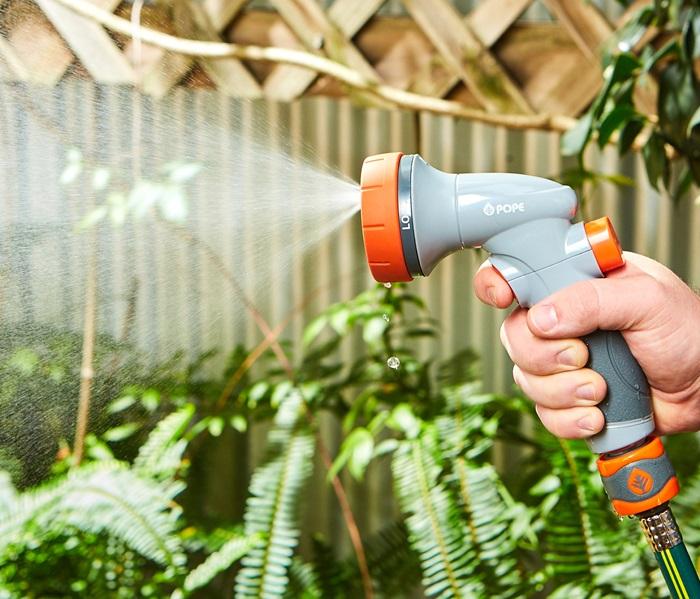 1010893-smart-hand-spray-1