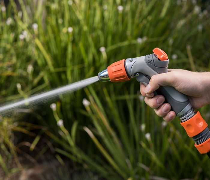 1010898-18mm-deluxe-hand-spray-in-situ