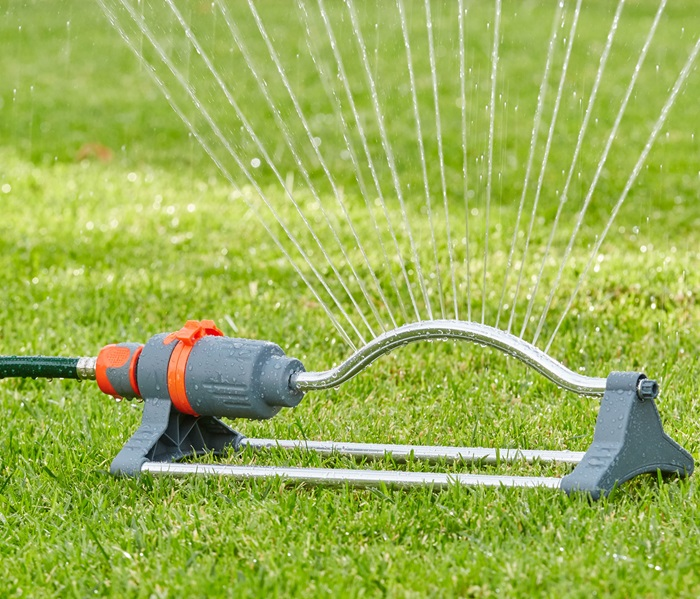 1010511 Raindrop Oscillating Sprinkler