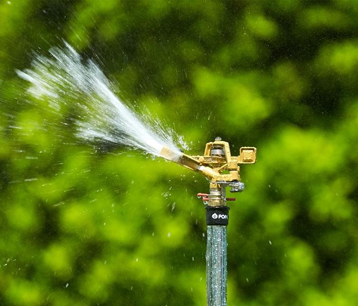 rain-tower-sprinkler-2