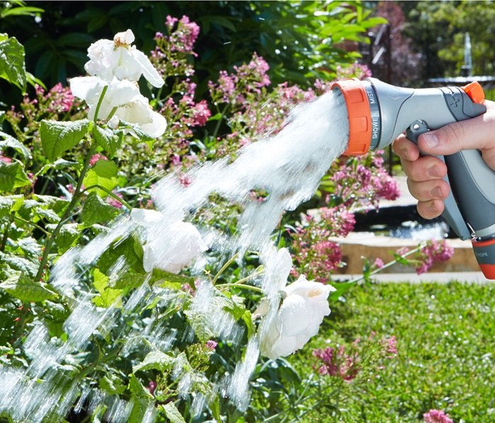 1010700-deluxe-hand-spray-2