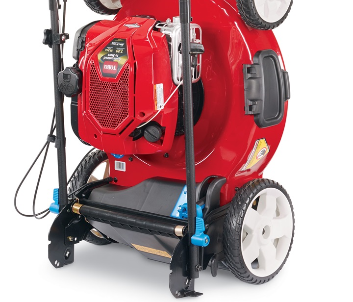 Briggs & Stratton engine stands upright with no fuel or oil leaks