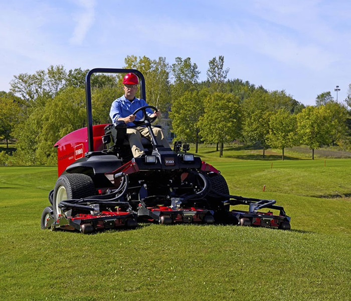 groundsmaster-4500-outside-front-right