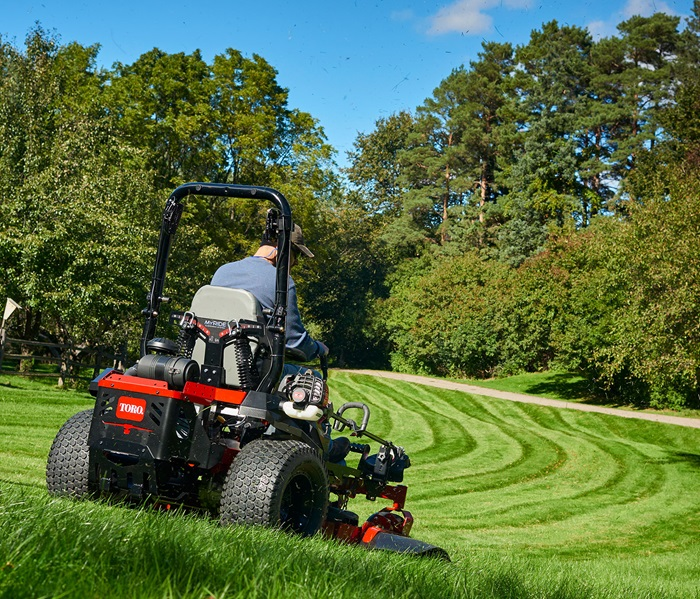 "60"" (152 cm) Special Edition TITAN® HD 2000 Series MyRIDE® Zero Turn Mower (74480)"