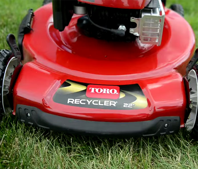 Toro 22 56cm SMARTSTOW Variable Speed High Wheel Lawn Mower