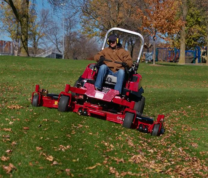 "7500-D Series 96"" (244 cm) 37 HP 1642cc Diesel Rear Discharge (74096)"