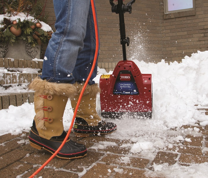 Small Blower, Huge Power with the Toro Power Shovel