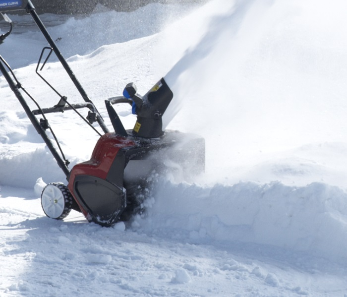 Aim Snow on the Go with the Toro 1800 Power Curve