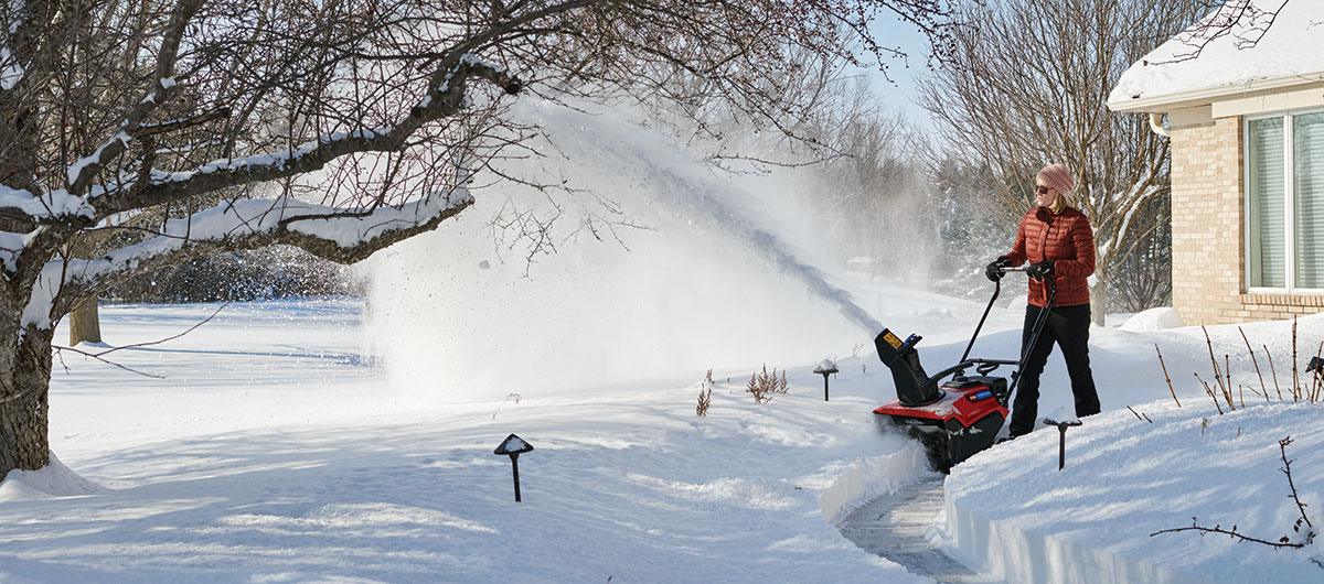 Choose A Toro Snow Blower - Power Clear, Battery, SnowMaster, Power Max