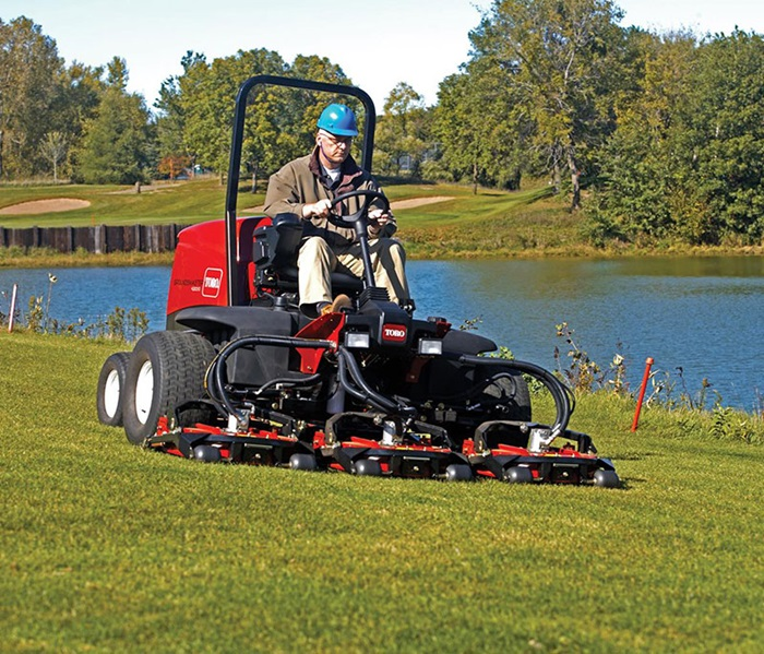 groundsmaster-4300-outside-front-right